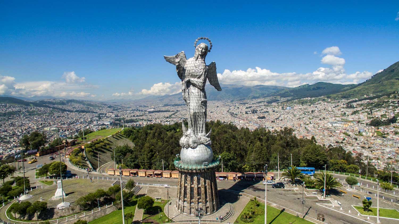 Virgen de El Panecillo Quito Ecuador