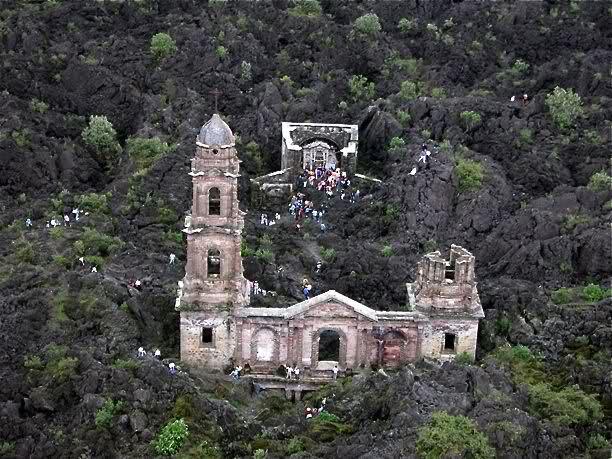 Iglesia de San Juan de Parangaricutiro Mexico
