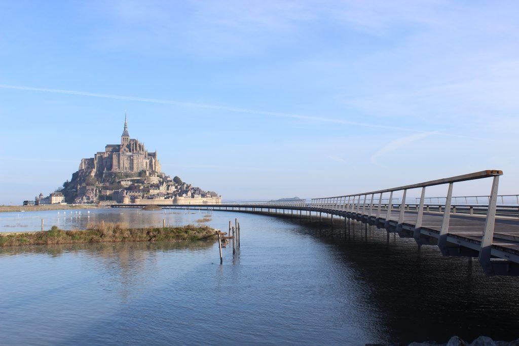Mont_St_Michel__Jetée_par_Marée_haute-4-1024x683
