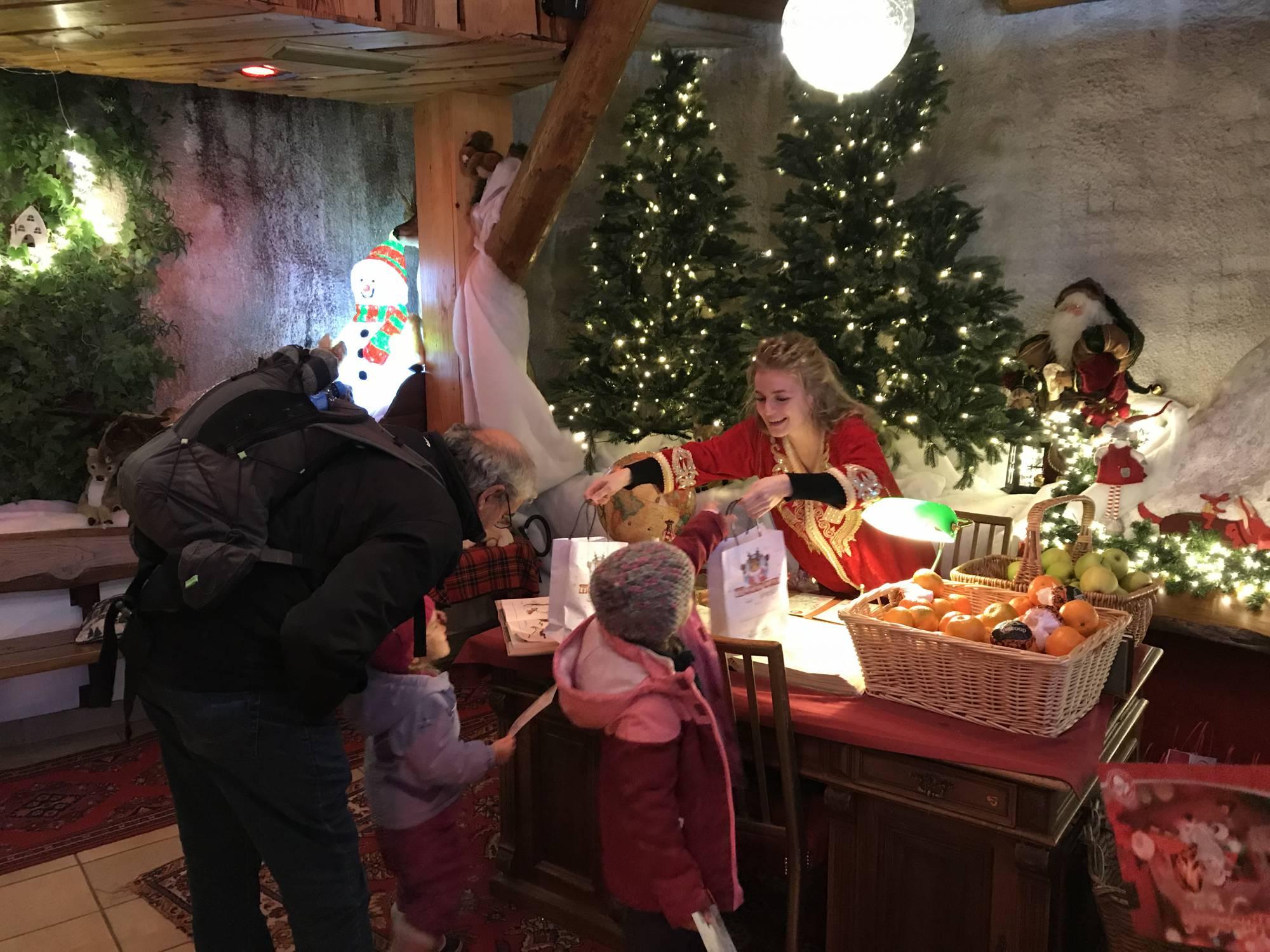 Regalo en la Casa de Papa Noel en Suiza